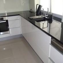 Jak zorganizować kuchenne wnętrze, aby było wygodne?