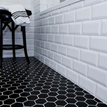 Geometria ciągle na topie – modne aranżacje ścian i podłogi