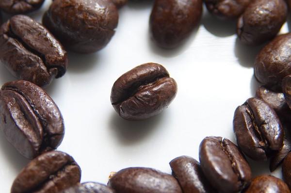 Ranking ekspresów ciśnieniowych na kawę mieloną do 500zł