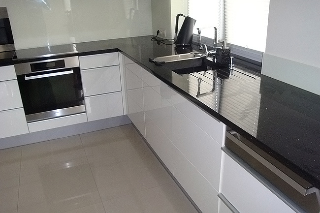 Jak zaaranżować funkcjonalny kącik do zmywania w kuchni